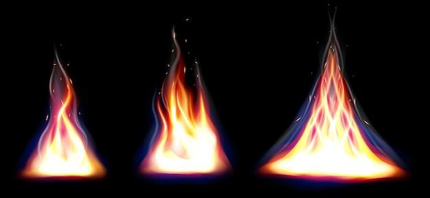 Set van realistische brand vlammen elementen instellen Premium Vector