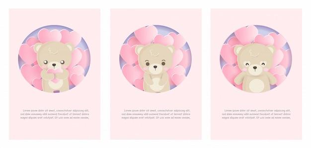 Set van schattige dieren kaarten met teddybeer in papier gesneden stijl. Premium Vector