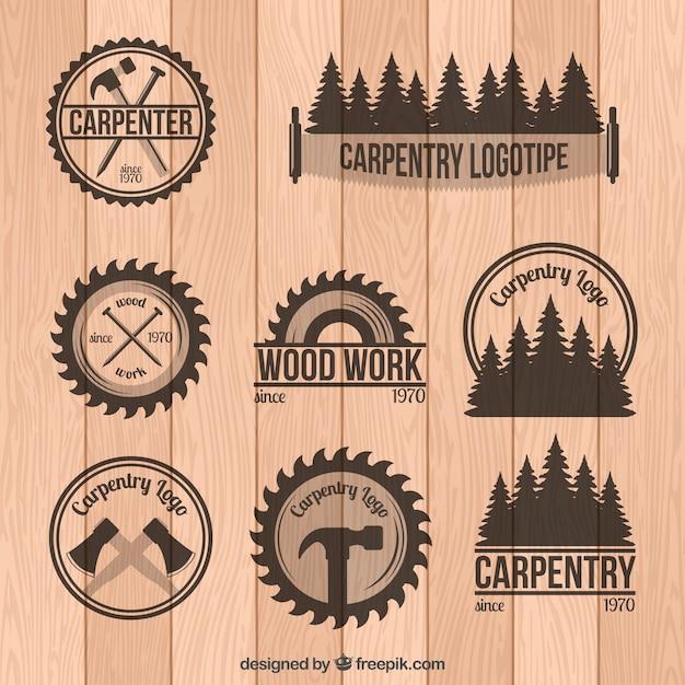 Set van timmerwerk badges in vintage stijl Gratis Vector