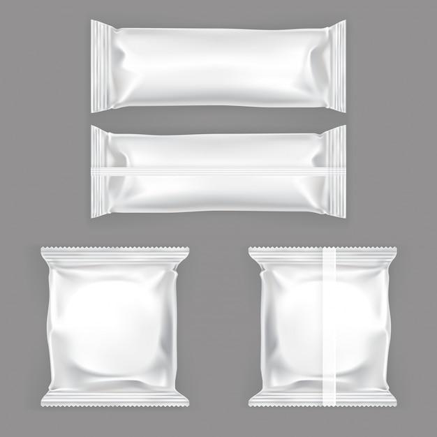 Set van vector illustraties van witte plastic verpakking voor snacks Gratis Vector