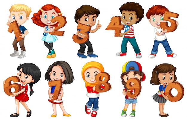 Set van verschillende kinderen met wiskundegetal Gratis Vector