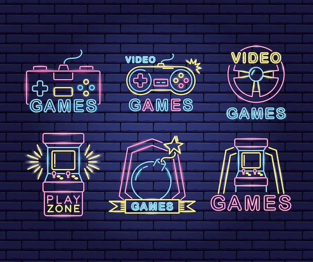 Set video-game gerelateerde objecten in neon- en lineaire stijl Gratis Vector