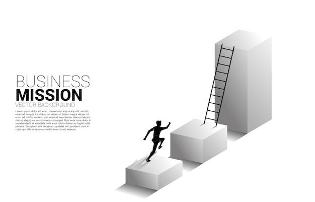 Silhouet van zakenman loopt omhoog op staafdiagram met ladder. Premium Vector
