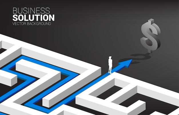 Silhouet van zakenman op routeweg om het labyrint aan dollarsymbool te verlaten. concept voor bedrijfsmissie en manier om bedrijfswinst Premium Vector