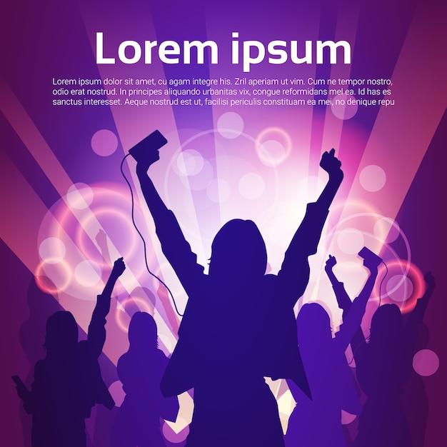 Silhouetvrouwengroep het dansen het licht van de nachtclub Premium Vector