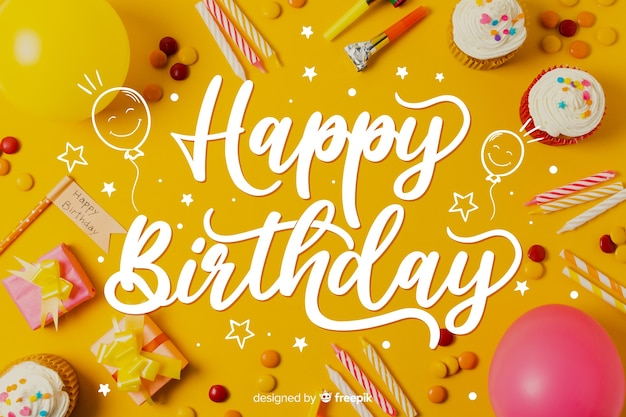 Sjabloon voor gelukkige verjaardag belettering concept Gratis Vector