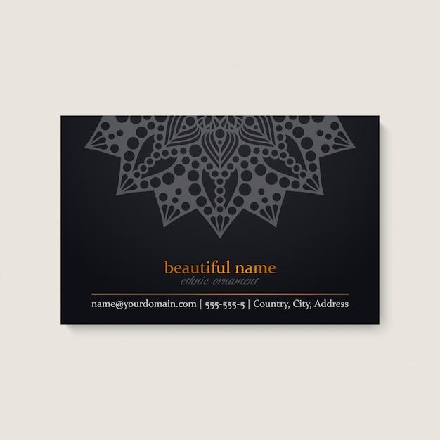 Sjabloon voor visitekaartjes met etnische mandala ontwerp Gratis Vector