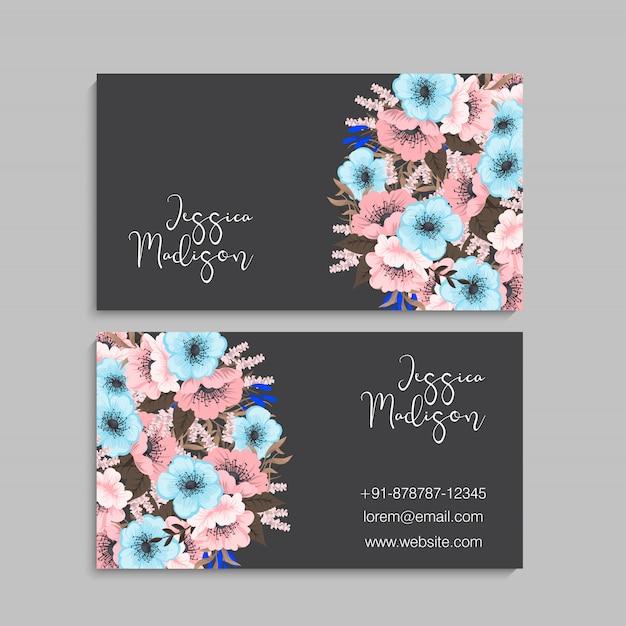 Sjabloon voor visitekaartjes met kleurrijke bloemen, blad, kruid. Gratis Vector