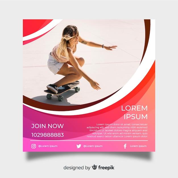 Skateboarden poster sjabloon met foto Gratis Vector