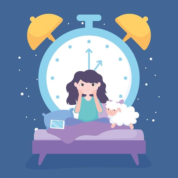 Slapeloosheid, verdrietig meisje in het bed met mobiele schapen en grote klok Premium Vector