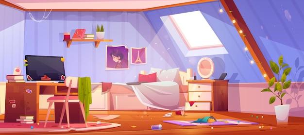 Slordige meisjesslaapkamer op zolder. interieur van mansardedak met vuile meubels en kleren, onopgemaakt bed en afval. Gratis Vector