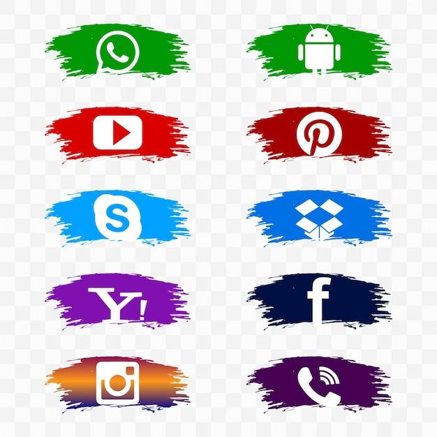 Social media icon set op aquarellenborstels Gratis Vector
