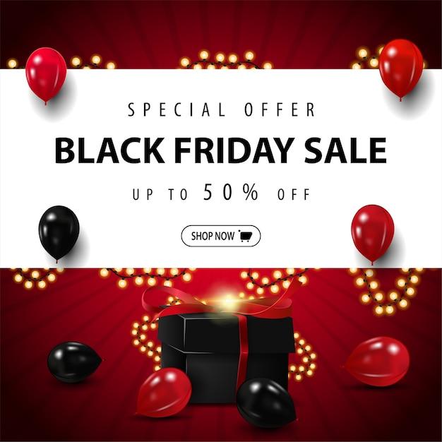 Speciale aanbieding, black friday-uitverkoop, tot 50% korting, rood vierkant kortingsbanner met grote witte streep met aanbieding, rode en zwarte ballonnen, slingerframe en zwart cadeau Premium Vector