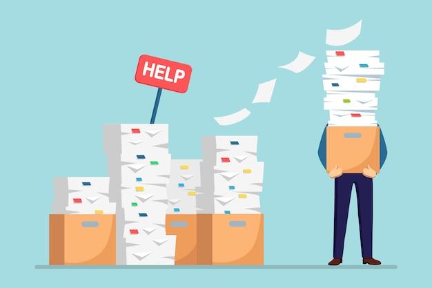 Stapel papier, drukke zakenman met stapel documenten in karton, kartonnen doos, help ondertekenen. papierwerk. bureaucratie. benadrukte werknemer. Premium Vector