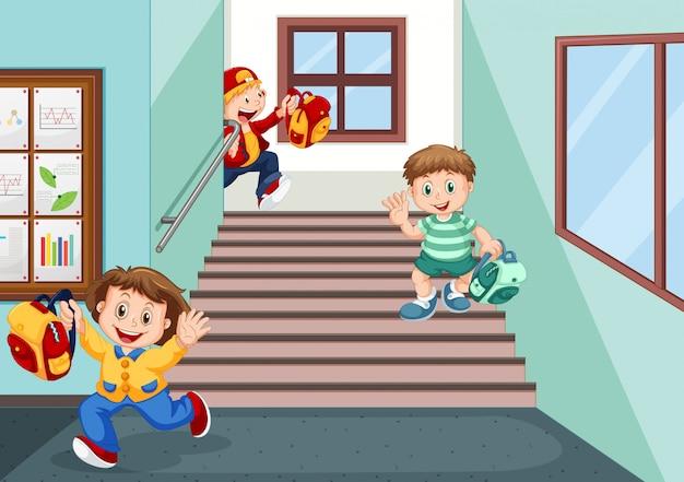 Studenten gaan naar huis na school Gratis Vector