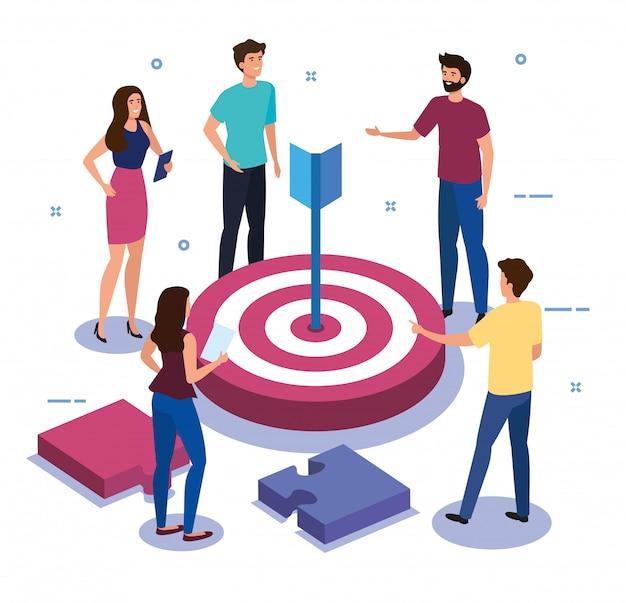 Teamwerk mensen met doel- en puzzelstukjes Gratis Vector