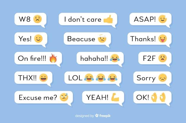 Tekstballonnen met berichten en emoji's Gratis Vector