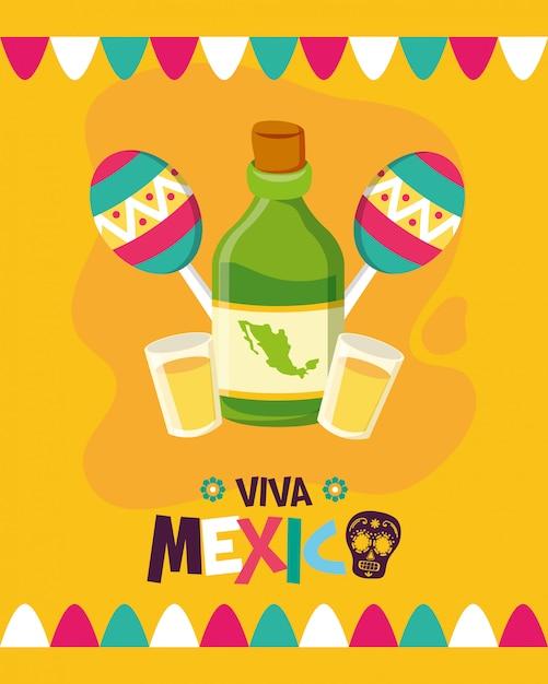 Tequila-fles en maracas voor viva mexico Gratis Vector