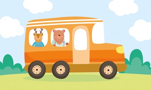 Terug naar school onderwijs beren en herten in de bus Premium Vector