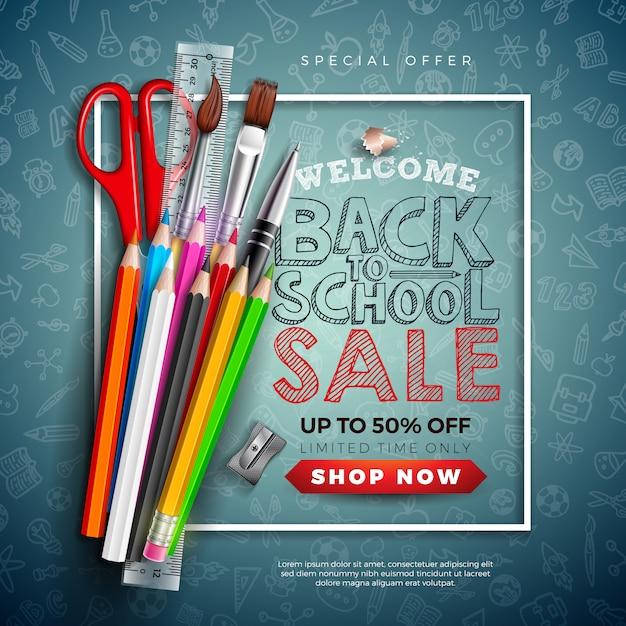 Terug naar school verkoop banner met kleurrijke potlood, borstel, schaar en typografie brief op schoolbord Gratis Vector