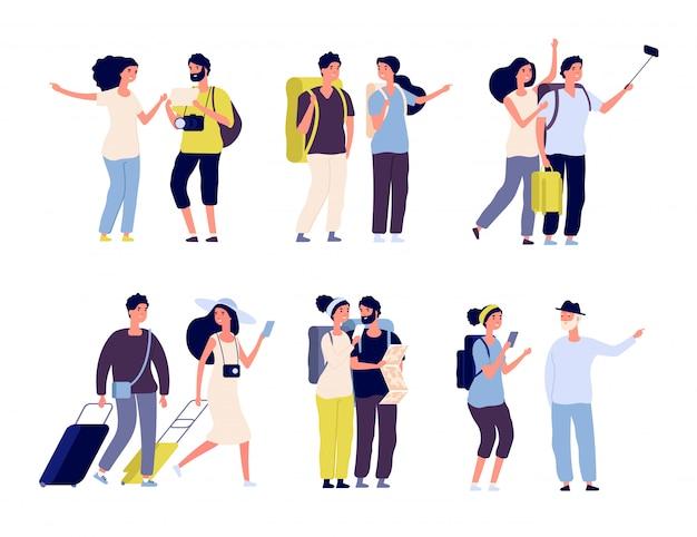 Toeristische personages. jong koppel familie, toeristen reizen met rugzakken en tassen, koffers. zomervakantie mensen Premium Vector