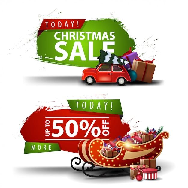 Twee kerstkortingsbanners in de vorm van een abstract figuur met haveloze randen met rode vintage auto met kerstboom en kerstman met cadeautjes Premium Vector
