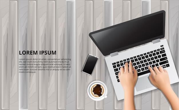 Typende laptop op de houten tafel met illustratie van slimme telefoon en koffie Premium Vector