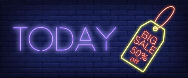 Vandaag het neonreclame van big sale Gratis Vector