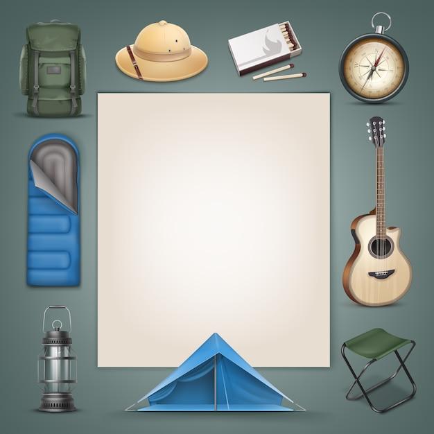 Vector camping spullen grote groene rugzak, safari hoed, blauwe slaapzak, tent, lantaarn, kompas, doosje lucifers, gitaar, klapstoel en copyspace geïsoleerd op achtergrond Gratis Vector