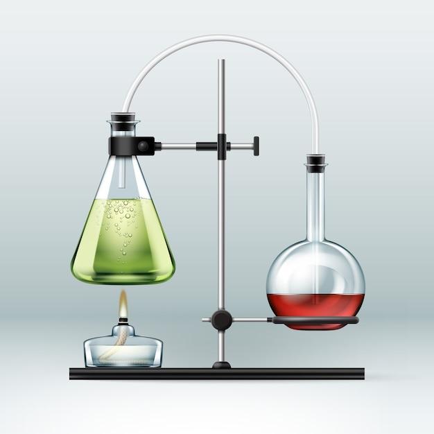 Vector chemisch laboratorium staan met glazen kolven vol met groene rode vloeistof en alcoholbrander geïsoleerd op de achtergrond Gratis Vector