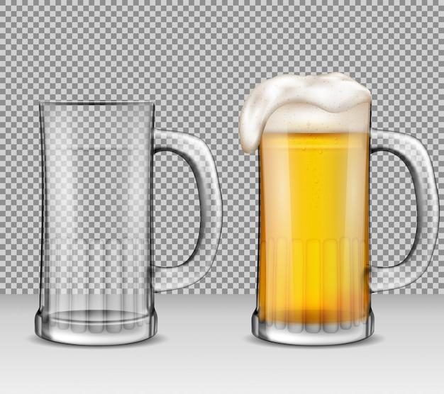 Vector realistische illustratie van twee transparante glazen mokken - een vol bier met schuim, de andere is leeg. Gratis Vector