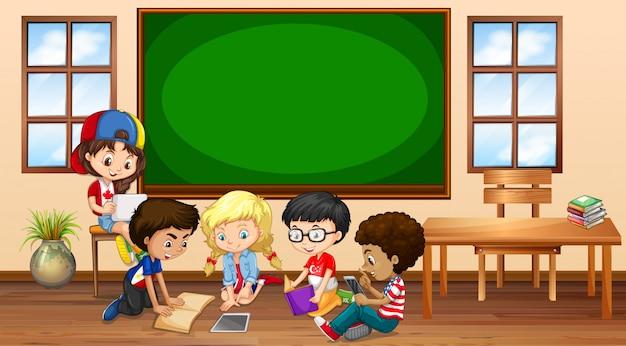 Veel kinderen leren in de klas Premium Vector