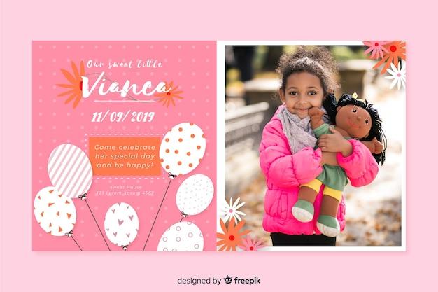 Verjaardag uitnodiging sjabloon met foto Gratis Vector