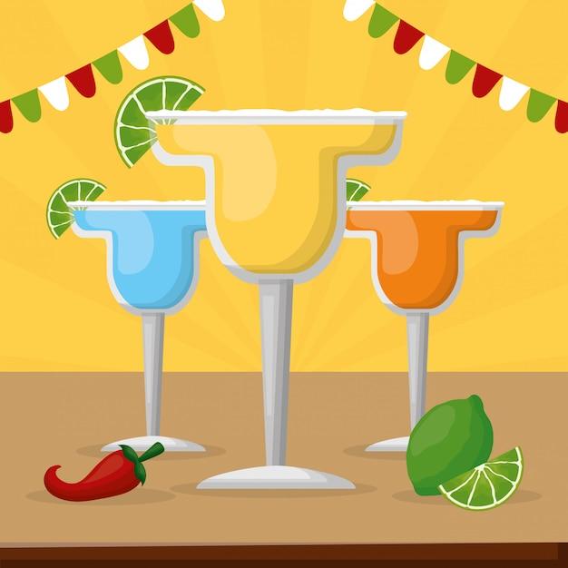 Verschillende cocktails met citroen, tequila en chili peper voor mexicaanse viering Gratis Vector