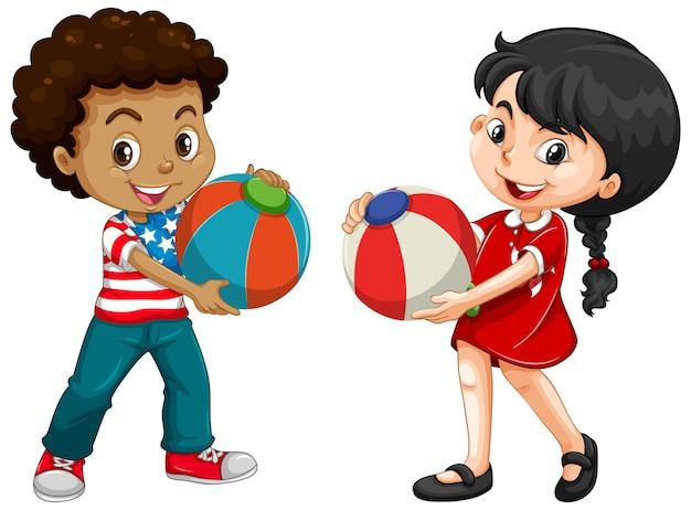 Verschillende twee kinderen die kleurrijke bal houden Gratis Vector