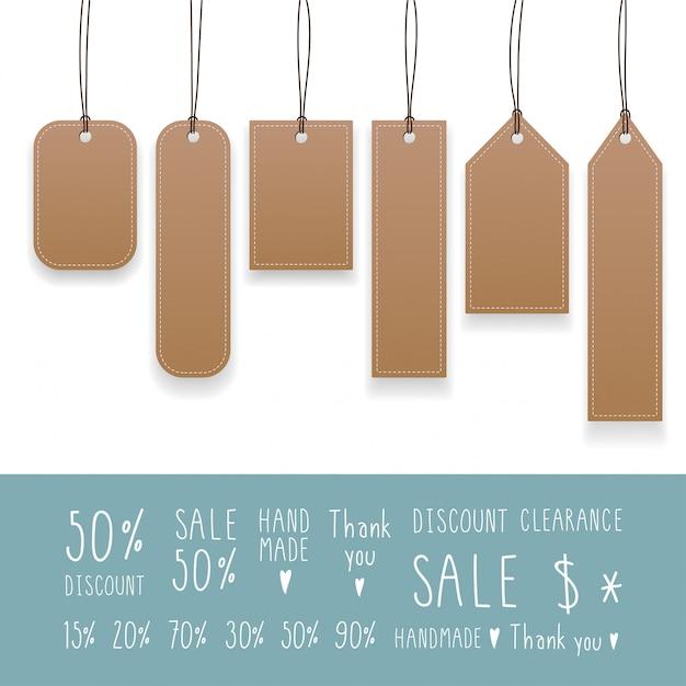 Verzameling van lege hangende tags met touw. kraft papieren etiketten. Premium Vector