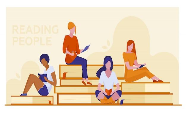 Vier vrouwelijke studenten die boeken lezen Gratis Vector