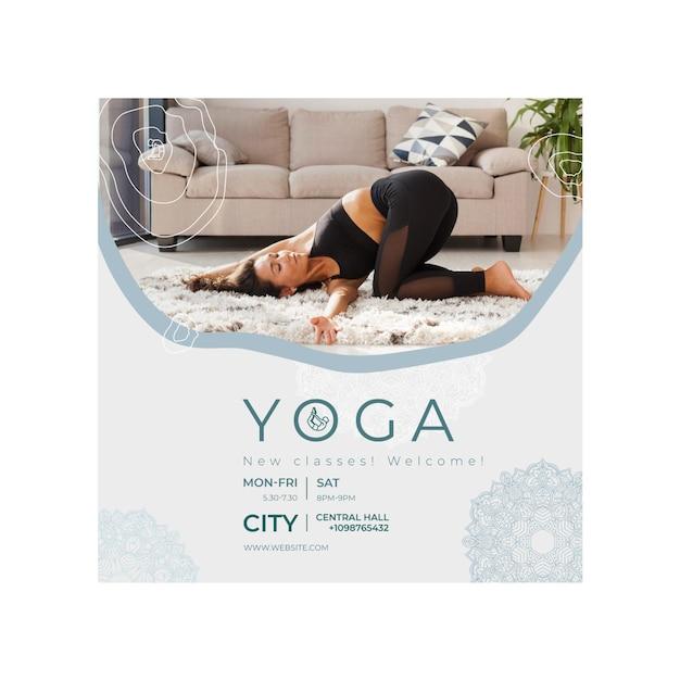 Vierkante flyer-sjabloon voor het beoefenen van yoga Premium Vector