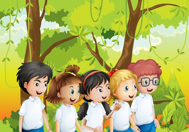 Vijf studenten in het bos Gratis Vector