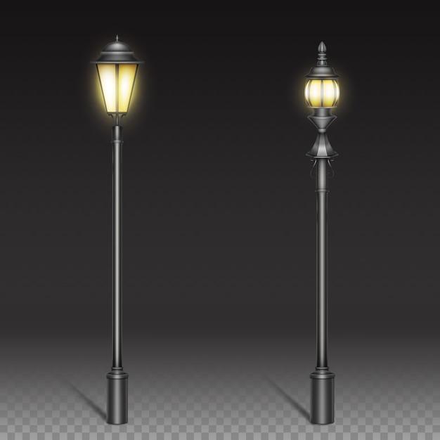 Vintage straatlantaarns, zwarte ijzeren lantaarn op paal. Gratis Vector