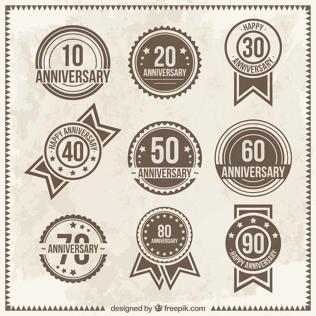 Vintage verjaardag badges Gratis Vector