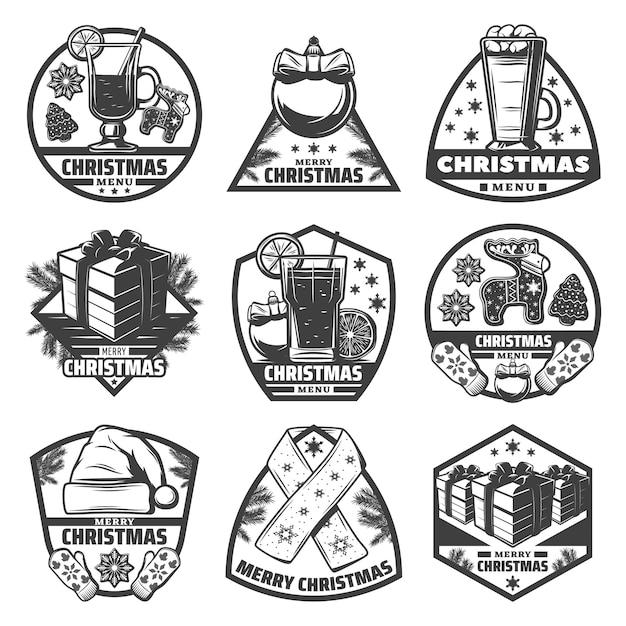 Vintage zwart-wit menu kerstsetiketten met dranken gember koekjes geschenken wanten sjaal hoed ballen fir takken geïsoleerd Gratis Vector