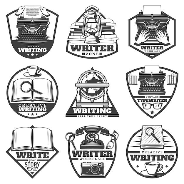 Vintage zwart-wit schrijver etiketten set met typemachine oli lamp boeken vergrootglas koffie globe brillen camera telefoon geïsoleerd Gratis Vector