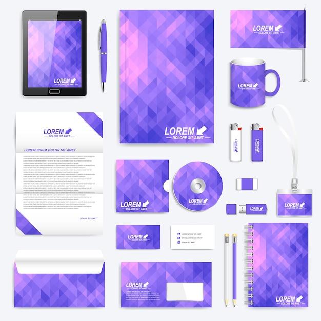 Violet set huisstijl sjabloon. modern briefpapier met violette driehoeken. merkontwerp. Premium Vector