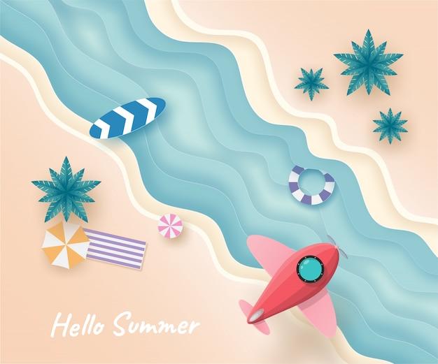Vliegtuig of ruimteschip vliegen in de lucht over het strand en de zee in de zomerdag. Premium Vector