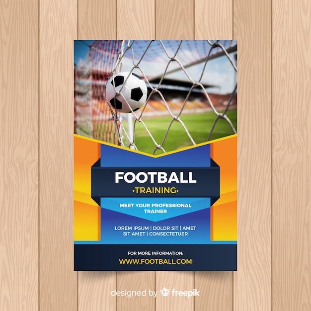 Voetbal poster sjabloon met foto Gratis Vector