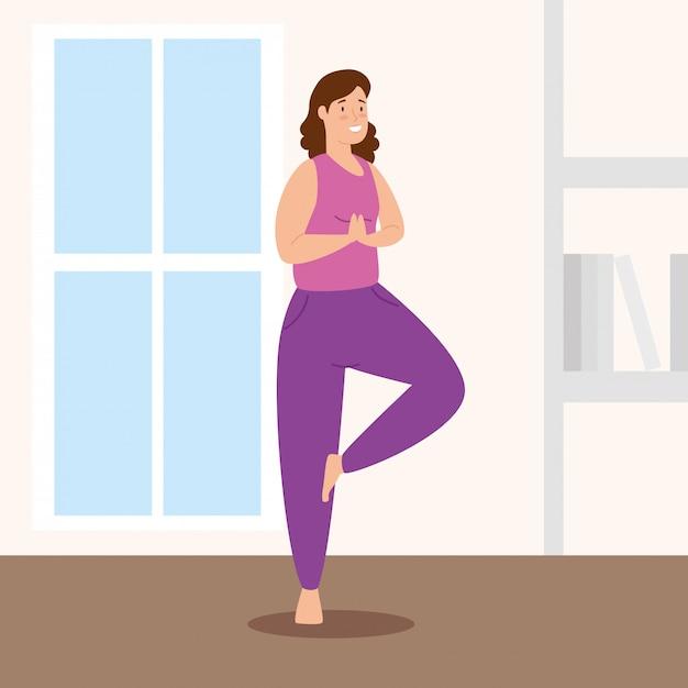 Vrouw die yoga in het ontwerp van de huis vectorillustratie doen Gratis Vector