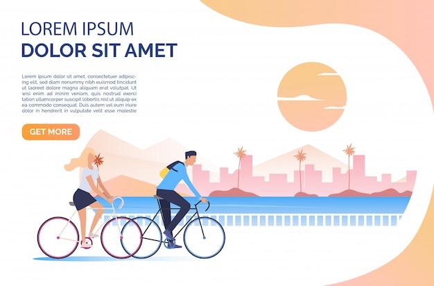 Vrouw en man rijden fietsen, zon, stadsgezicht en voorbeeldtekst Gratis Vector