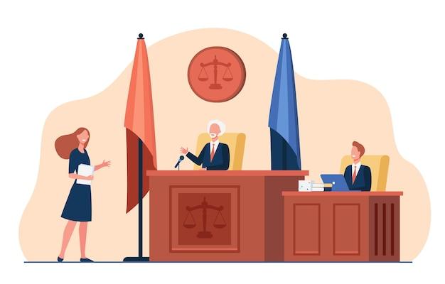 Vrouwelijke advocaat die zich voor rechter bevindt en geïsoleerde vlakke illustratie spreekt. Gratis Vector