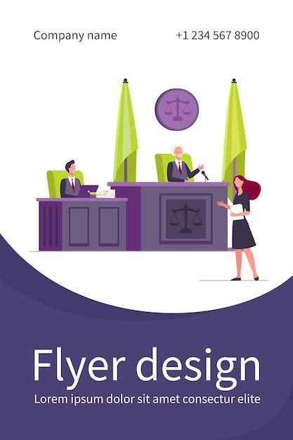 Vrouwelijke advocaat staat voor rechter en pratende geïsoleerde platte flyer-sjabloon Gratis Vector